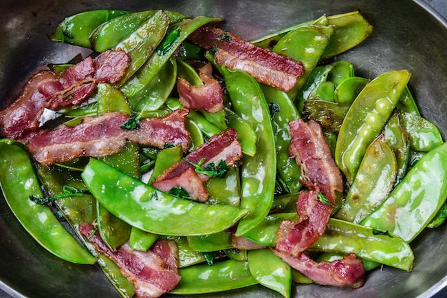 salteado de legumbres con jamón